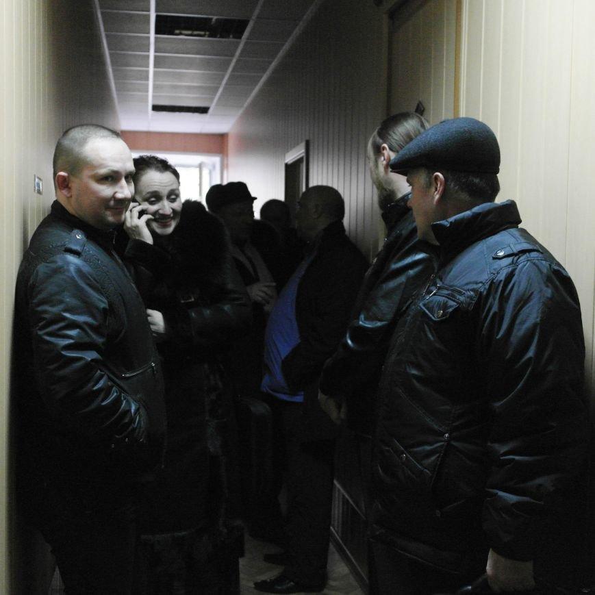 Первое заседание Народной рады провели на ступеньках Красноармейского исполкома, фото-4