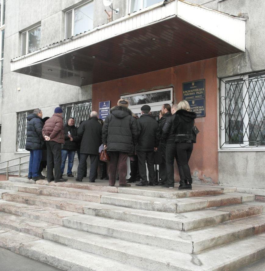 Первое заседание Народной рады провели на ступеньках Красноармейского исполкома, фото-12