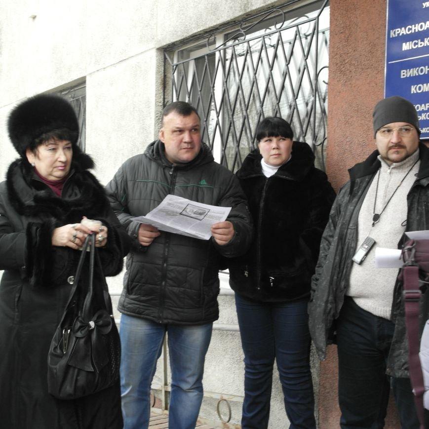 Первое заседание Народной рады провели на ступеньках Красноармейского исполкома, фото-13