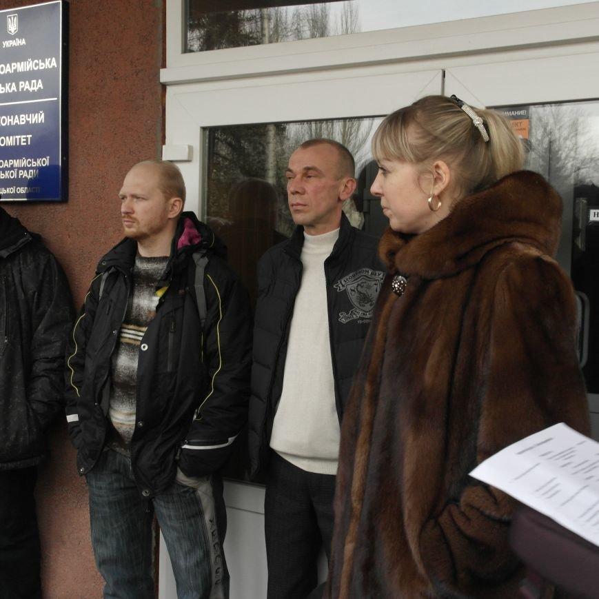 Первое заседание Народной рады провели на ступеньках Красноармейского исполкома, фото-11