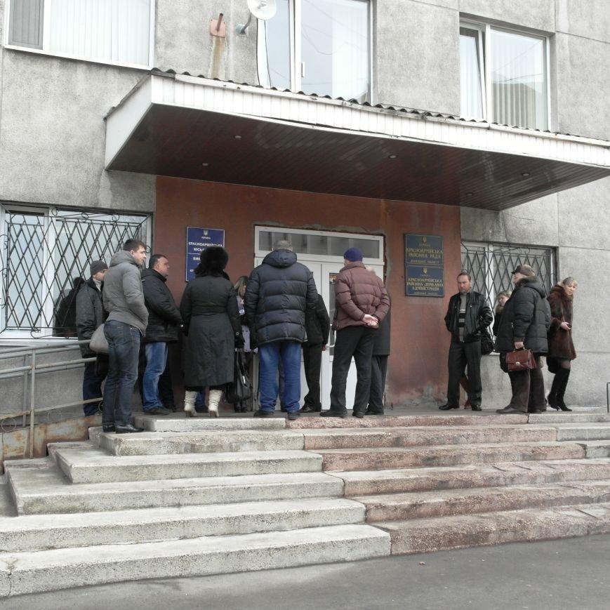 Первое заседание Народной рады провели на ступеньках Красноармейского исполкома, фото-7