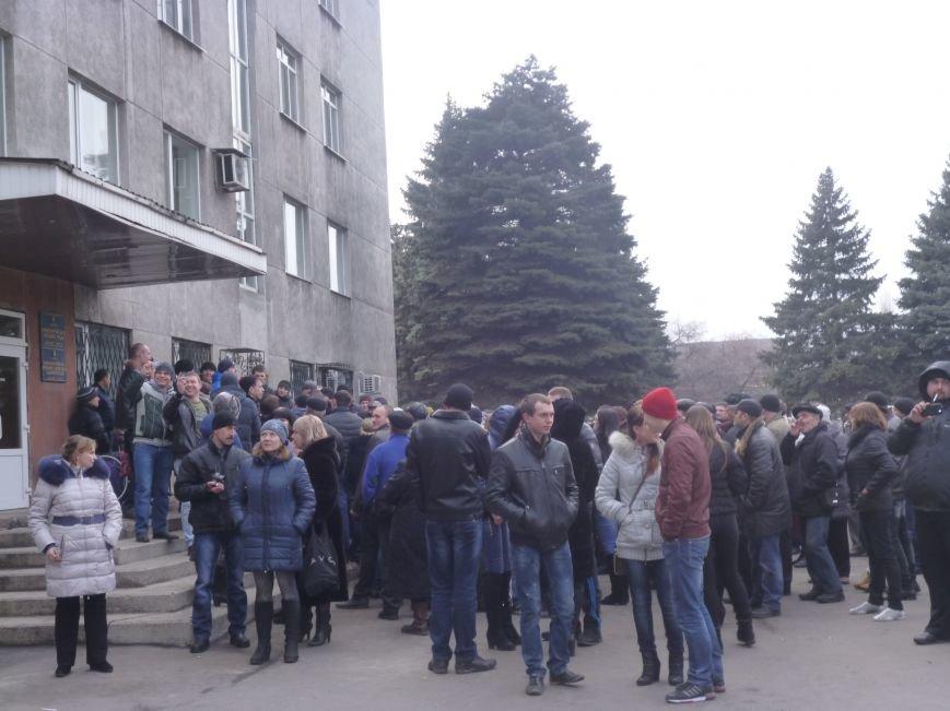 В Красноармейске  прошел митинг в поддержку Януковича. У горсовета поднят российский флаг (ФОТО), фото-2