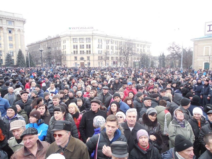 Захватчики ХОГА в крови. Толпа митингующих устроила самосуд над харьковскими евромайдановцами (ФОТО), фото-28