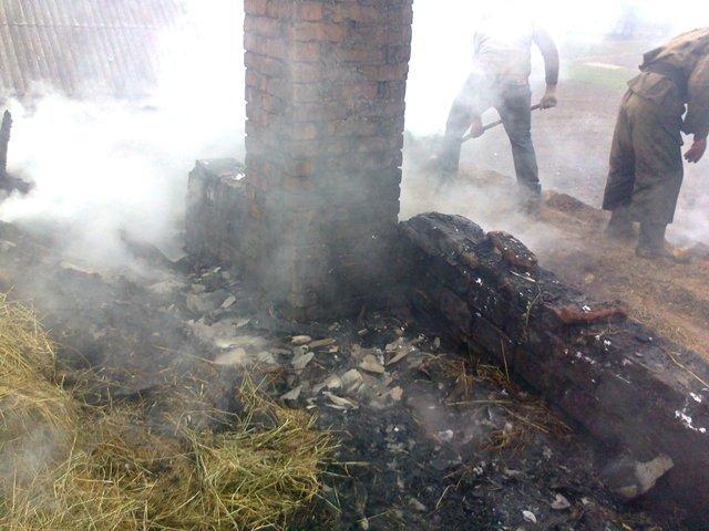 В Ємільчинському районі сусіди врятували палаючий будинок, фото-2