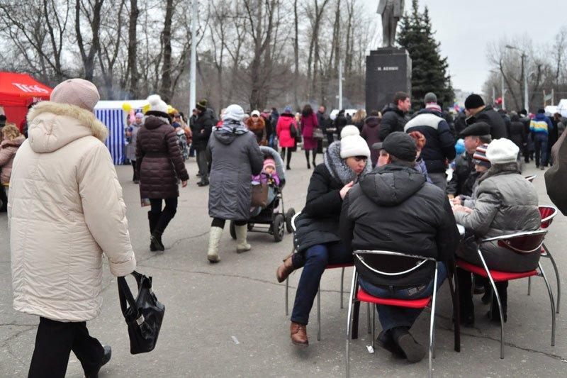 Масленица-2014: скоморохи, фаерщики и бой подушками, фото-2