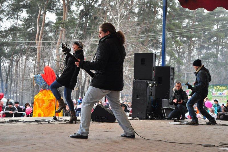 Масленица-2014: скоморохи, фаерщики и бой подушками, фото-15
