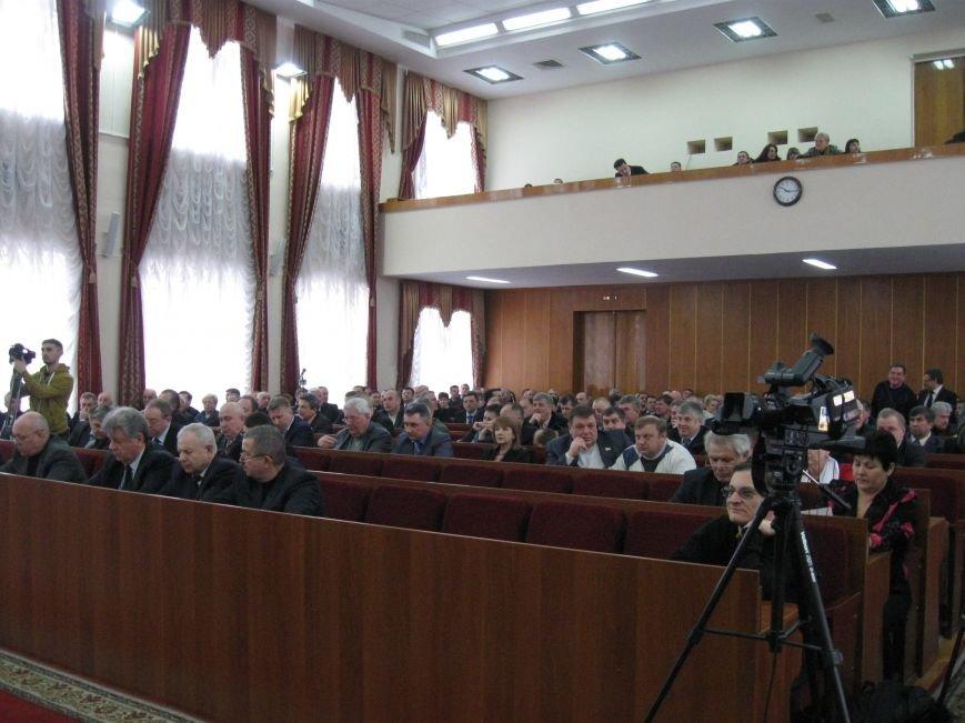 У Житомирі на позачерговій сесії облради підняли питання військової підготовки та комунікації з Росією, фото-2