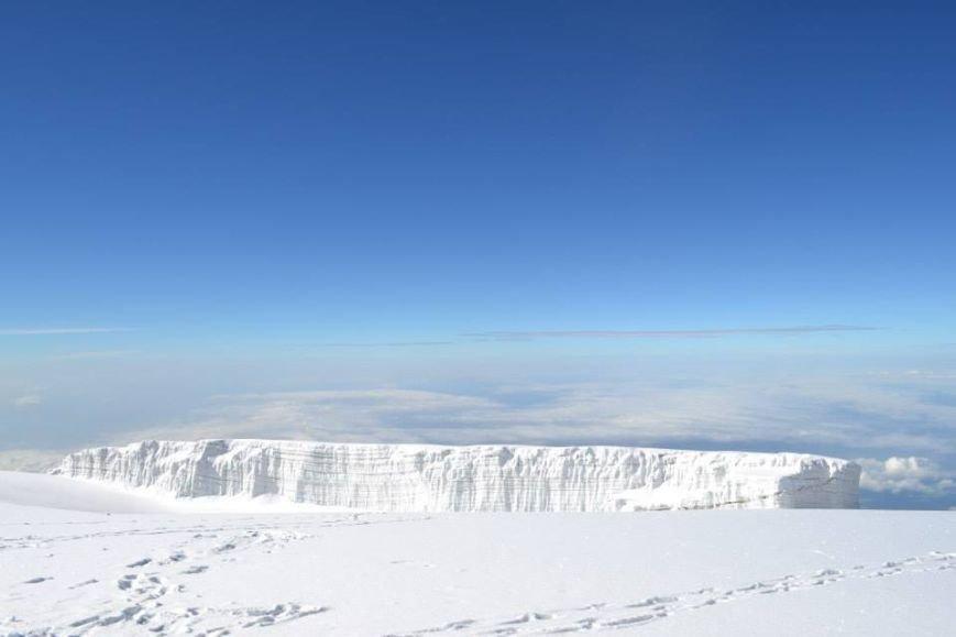 Мариупольцы забрались на вершину Килиманджаро (ФОТОРЕПОРТАЖ), фото-1