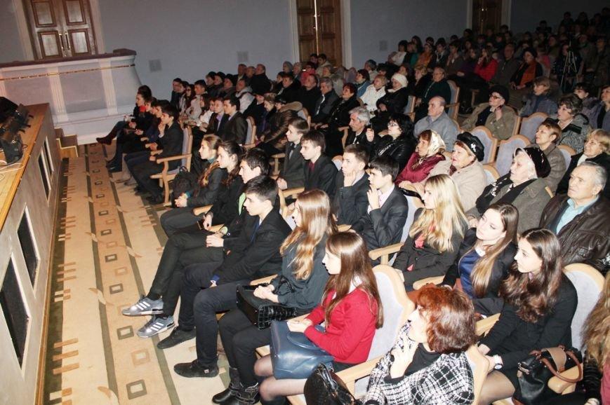 В Артемовске читают стихи Шевченко и призывают к единству, фото-6