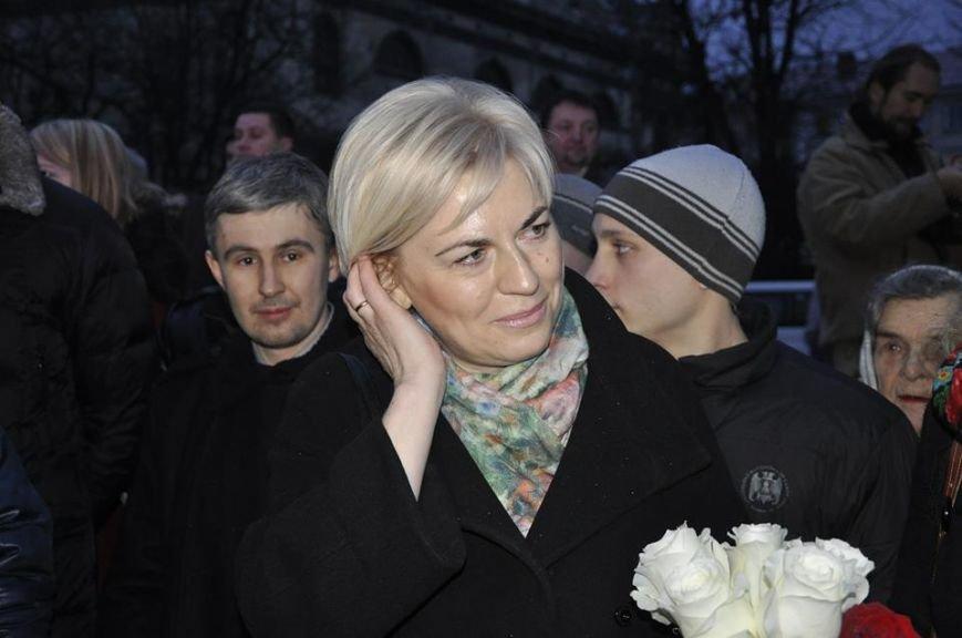 Новому губернатору Львівщині на Євромайдані кричали «Фу!» та «Ганьба» (ВІДЕО, ФОТО), фото-3