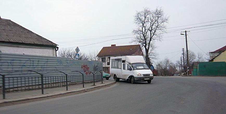 В Мариуполе маршрутка на ходу потеряла колесо (Фотофакт), фото-2