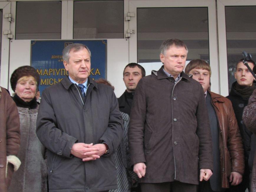 Нет войне! Под стенами  горсовета собрались сотни мариупольцев за единую Украину (ФОТО+Текст обращения+Дополнено), фото-37