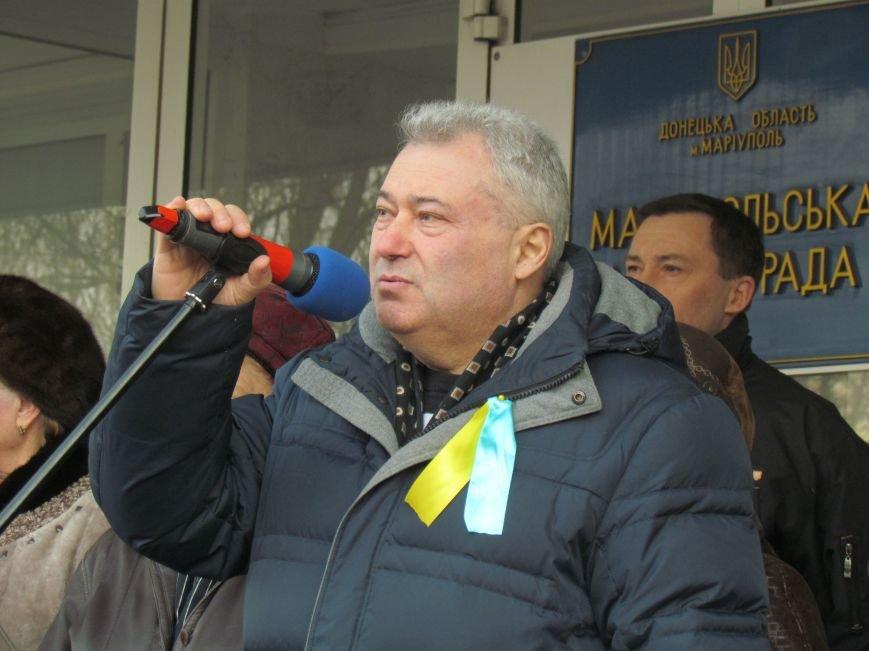 Нет войне! Под стенами  горсовета собрались сотни мариупольцев за единую Украину (ФОТО+Текст обращения+Дополнено), фото-17