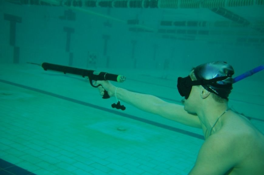 В Мариуполе подводные охотники устроили стрельбу по мишеням (ФОТО), фото-11