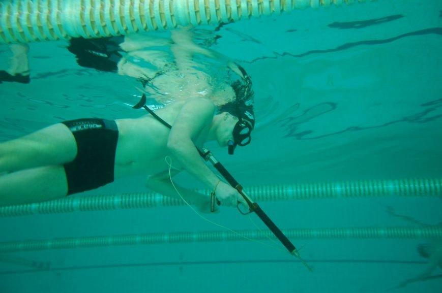 В Мариуполе подводные охотники устроили стрельбу по мишеням (ФОТО), фото-10