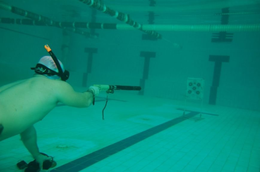 В Мариуполе подводные охотники устроили стрельбу по мишеням (ФОТО), фото-12