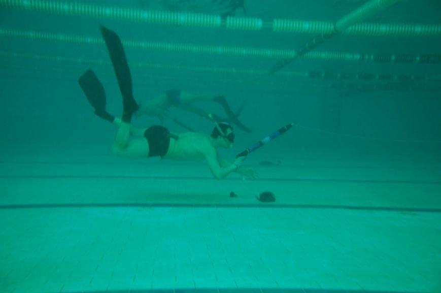 В Мариуполе подводные охотники устроили стрельбу по мишеням (ФОТО), фото-8