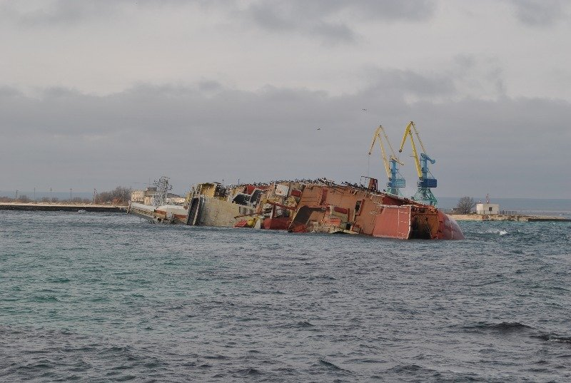 Крымские моряки рассказали,как у них на глазах топили российский корабль (ФОТО), фото-5