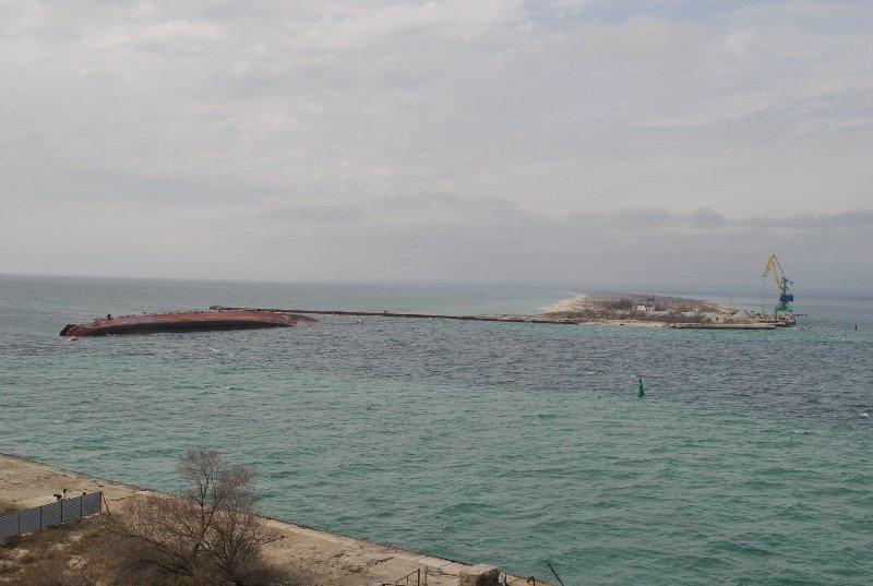 Крымские моряки рассказали,как у них на глазах топили российский корабль (ФОТО), фото-1