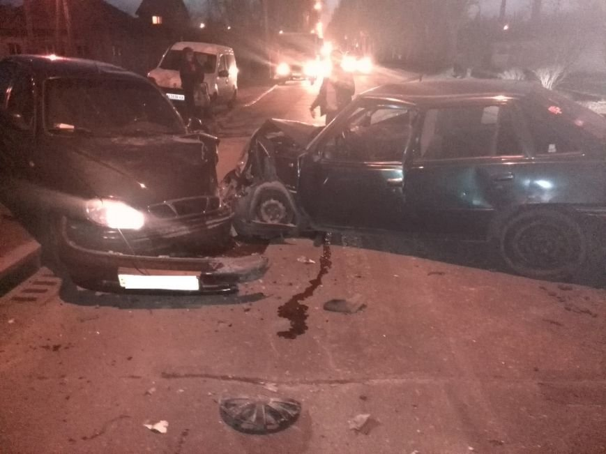 В Донецке произошло тройное ДТП (ФОТО), фото-3