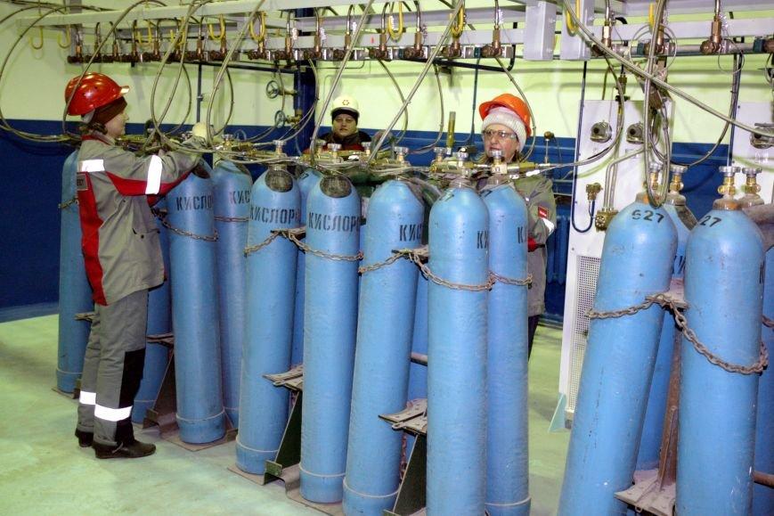 2013_01_04_ММКИ_Заправка кислородных баллонов для больницы №4_Кислородный_NICK2577