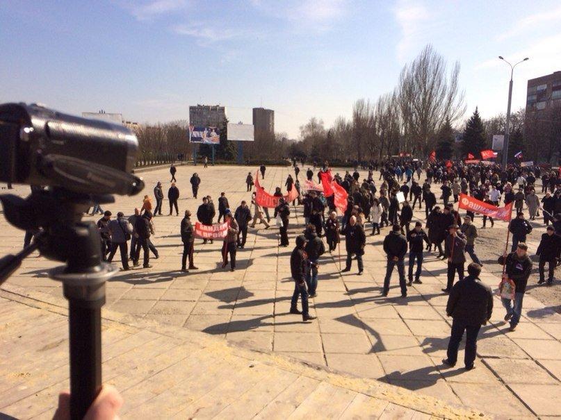В Мариуполе  многотысячный митинг заявил о проведении  референдума (ФОТО), фото-4