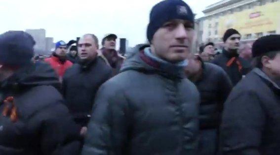 Харьковская милиция разыскивает «освободителей» здания обладминистрации, вооруженных пистолетами (ФОТО), фото-20