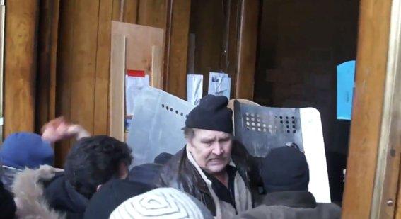 Харьковская милиция разыскивает «освободителей» здания обладминистрации, вооруженных пистолетами (ФОТО), фото-9