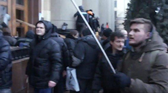 Харьковская милиция разыскивает «освободителей» здания обладминистрации, вооруженных пистолетами (ФОТО), фото-16