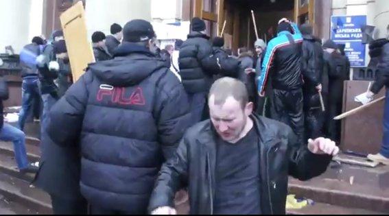 Харьковская милиция разыскивает «освободителей» здания обладминистрации, вооруженных пистолетами (ФОТО), фото-23