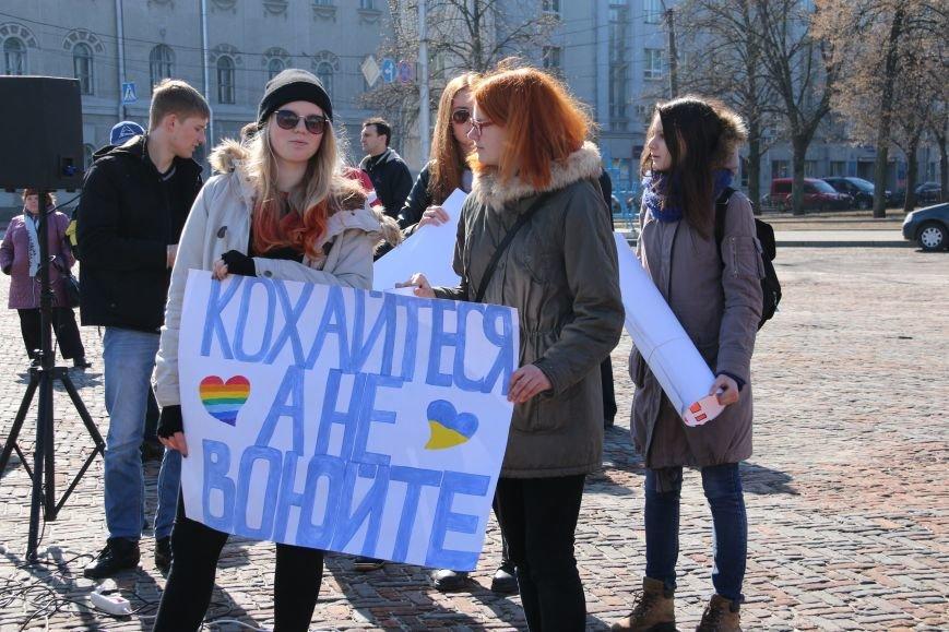 Черниговские женщины в свой праздник провели акцию за мир (ФОТО), фото-6