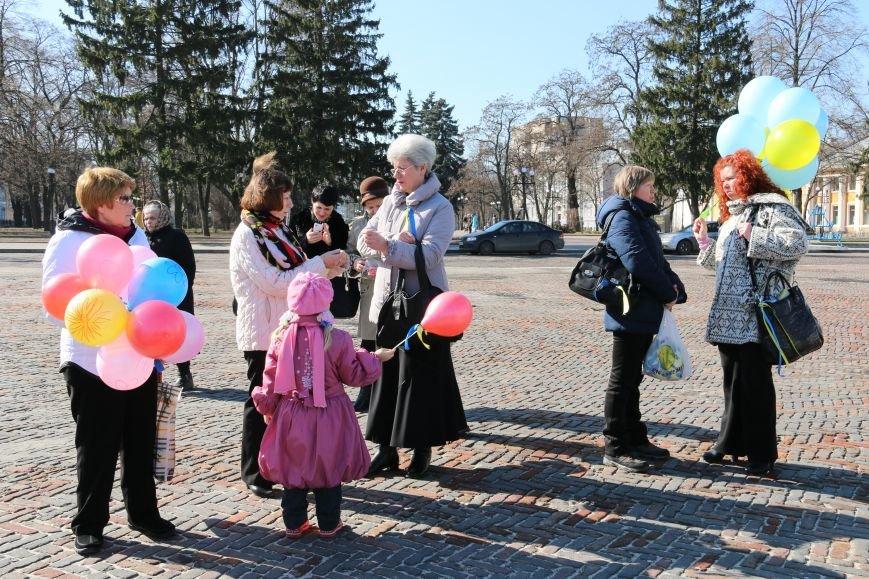 Черниговские женщины в свой праздник провели акцию за мир (ФОТО), фото-3