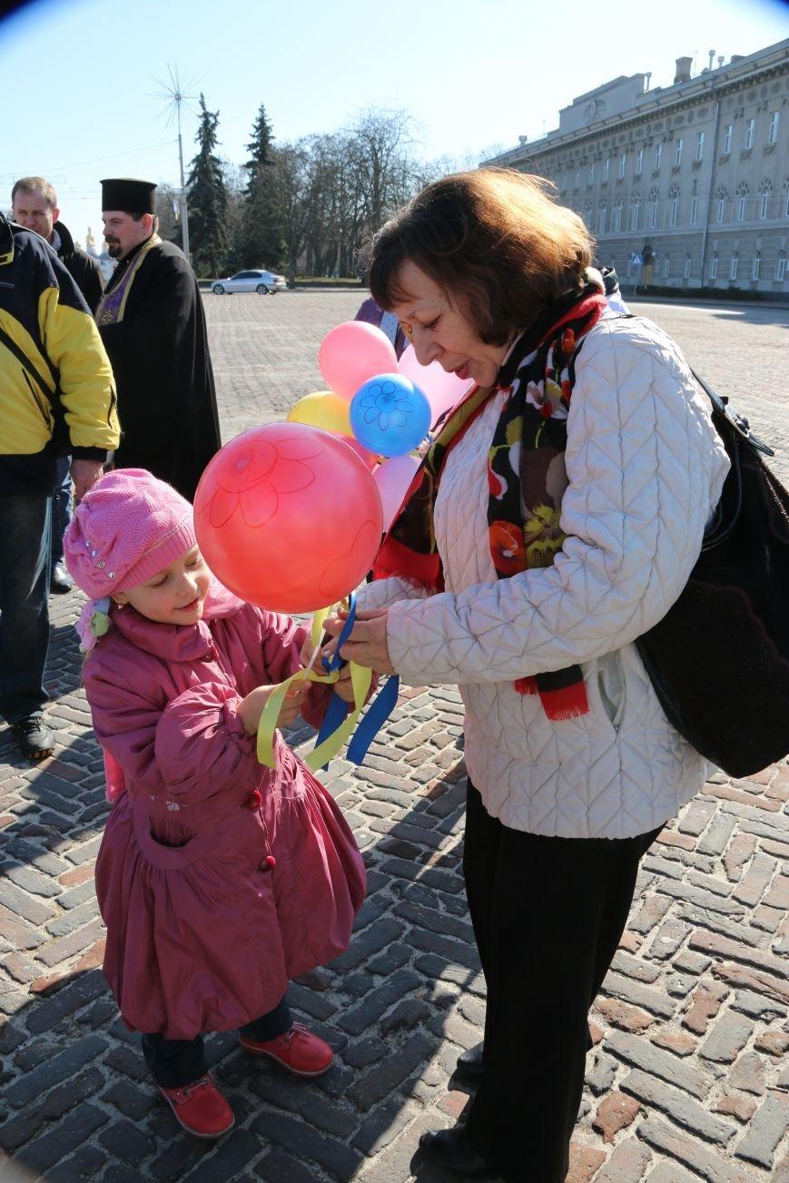 Черниговские женщины в свой праздник провели акцию за мир (ФОТО), фото-2