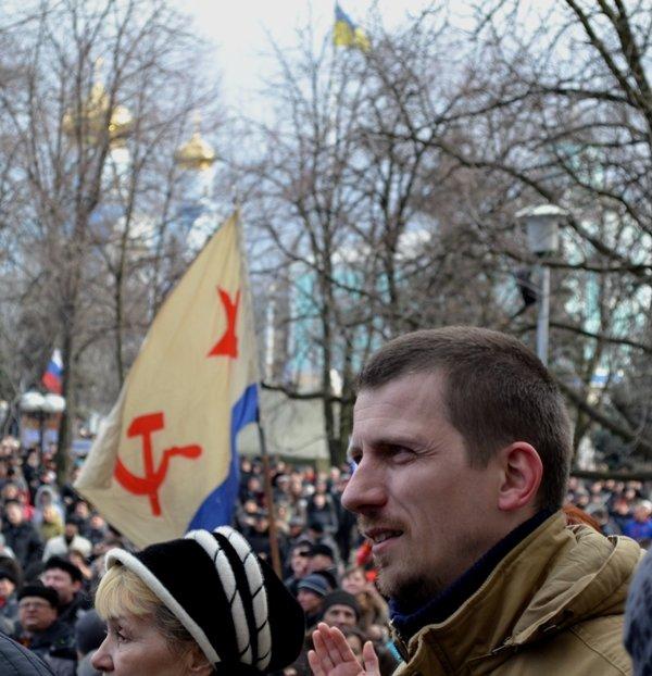 В Луганске захватили облгосадминистрацию и вынудили губернатора написать заявление об отставке (ФОТО), фото-23