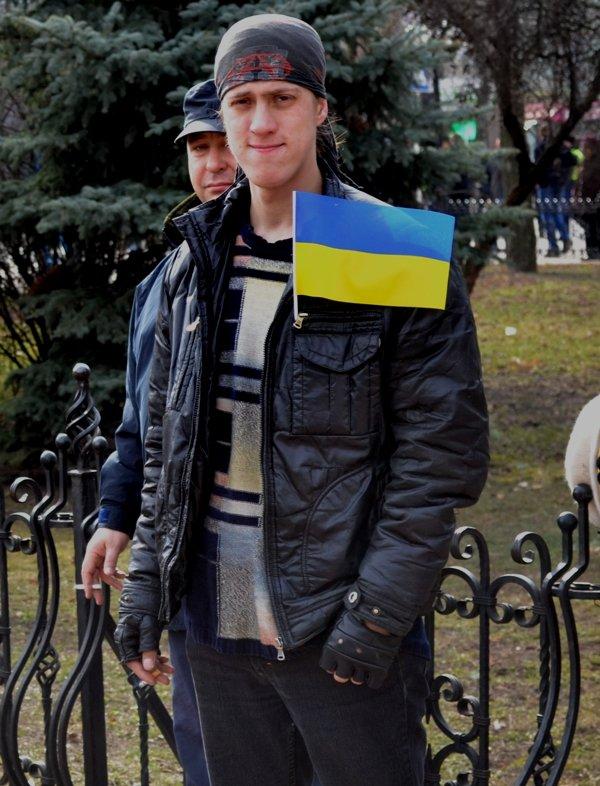 В Луганске захватили облгосадминистрацию и вынудили губернатора написать заявление об отставке (ФОТО), фото-7