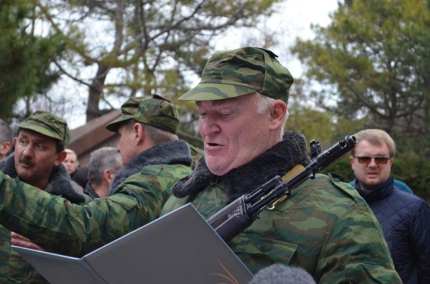 В Симферополе начали формировать Вооруженные силы Крыма (ФОТО, ВИДЕО), фото-8