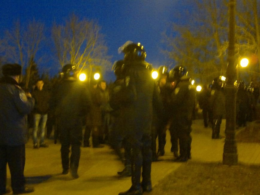 В Луганске вечерние митинги за Россию и за Украину обошлись без драк и провокаций, фото-2