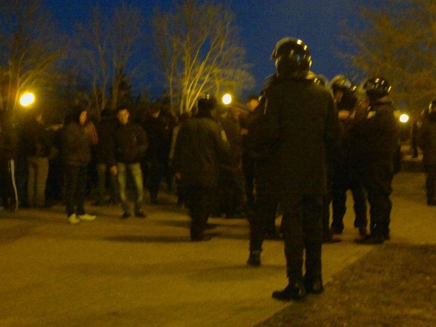 В Луганске вечерние митинги за Россию и за Украину обошлись без драк и провокаций, фото-1