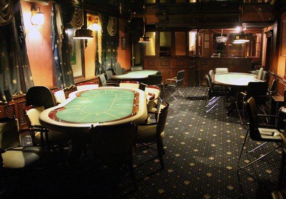 У Житомирі піти в казино можна було на Театральній та Великій Бердичівській, фото-1