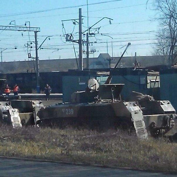 Российские БМП в двадцати километрах от Харькова: очередные учения? (ВИДЕО), фото-1