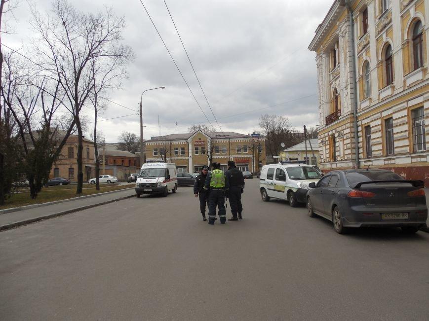 В Апелляционном суде Харькова искали бомбу (ФОТО), фото-2