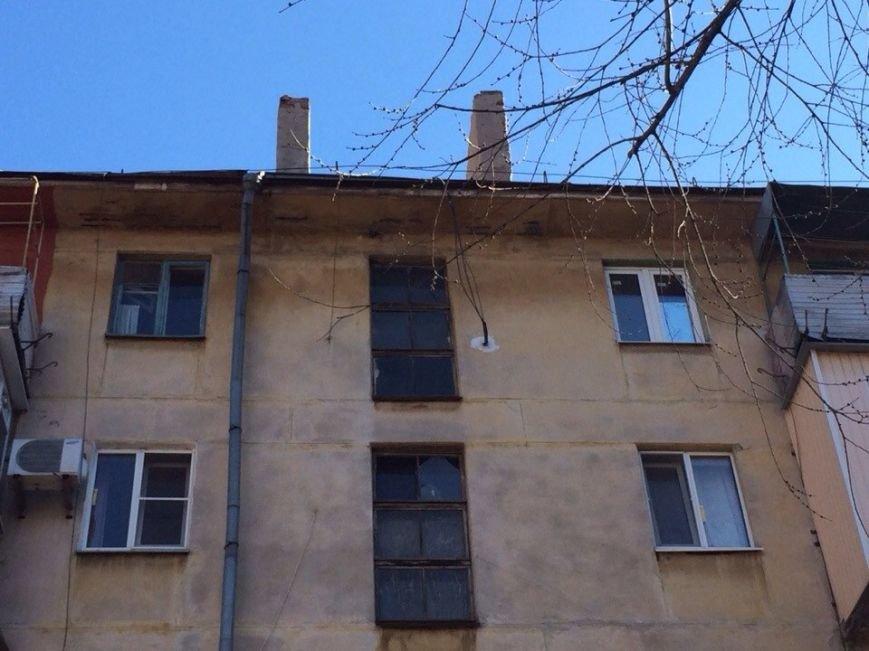 Крыша не течет! Мариупольцы пожаловались городскому голове (Фотофакт), фото-3