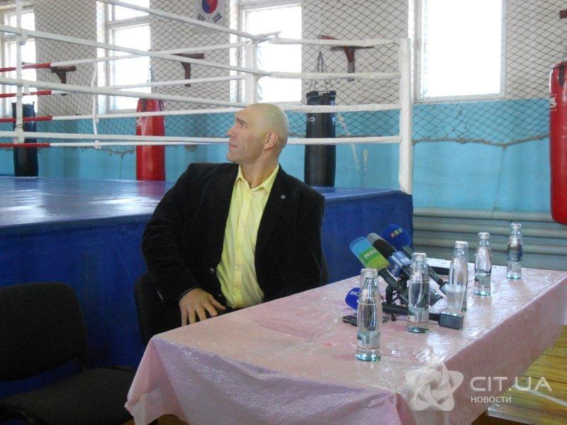 Валуев встретился в Симферополе с юными боксерами (ФОТО), фото-5