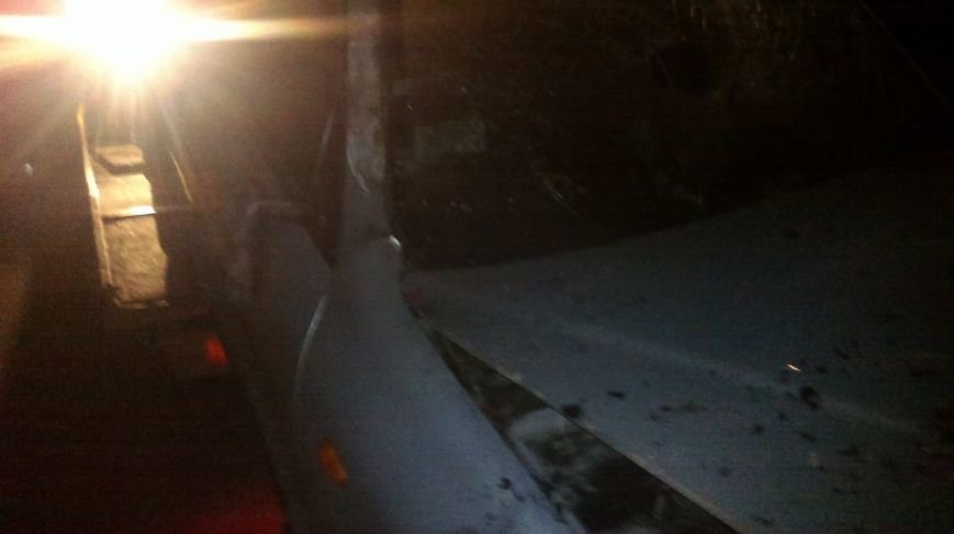 В Мариуполе горел Daewoo, врезавшийся в трансформатор (ФОТО), фото-1