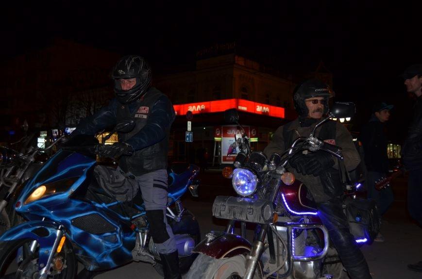 В Симферополе стартовал мотопробег байкеров в поддержку политики России (ФОТО, ВИДЕО), фото-1