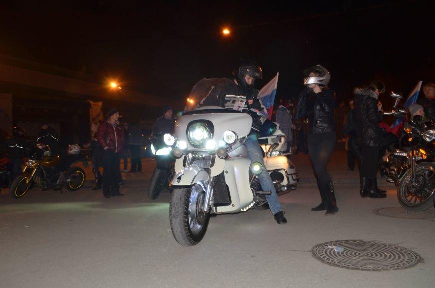 В Симферополе стартовал мотопробег байкеров в поддержку политики России (ФОТО, ВИДЕО), фото-2