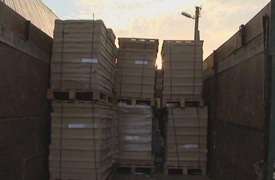 На окраине Луганска в подпольном цехе производили контрафактные сигареты (ФОТО), фото-5