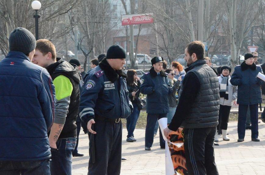 В Мариуполе представители пророссийского движения разогнали митинг за единую Украину (ФОТО+ВИДЕО), фото-5