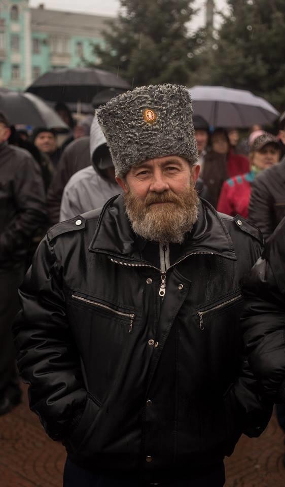 К месту пророссийского митинга в Луганске идут взводы милиционеров (ФОТО), фото-6