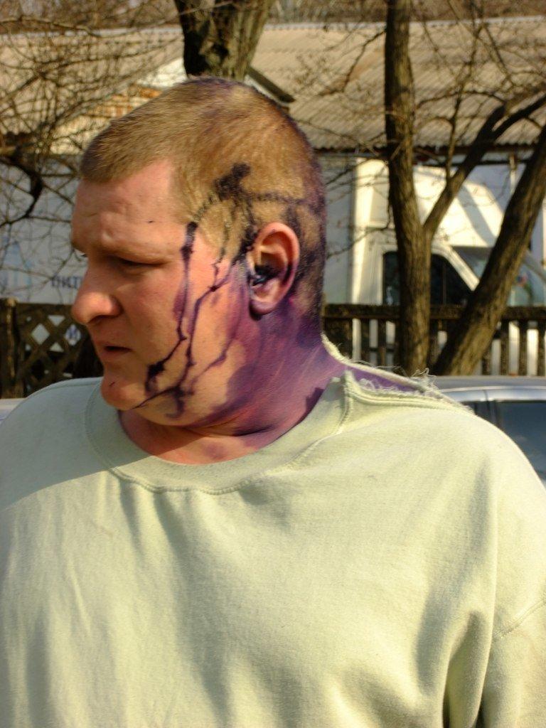 В Мариуполе пастор Мохненко прокомментировал инцидент с разбитым автобусом (ФОТО), фото-8